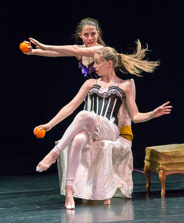 Cinderella's stepsisters at LaPointe Dance performance ©JMillar Tilt Creative performance photography