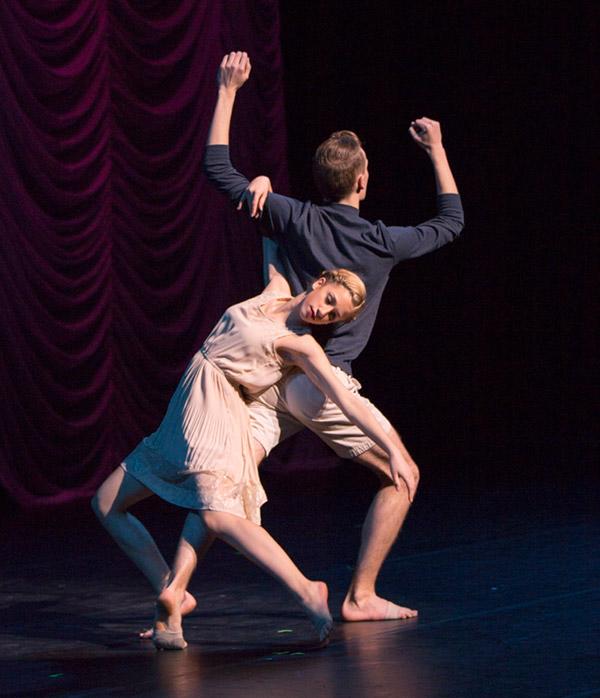 Dancing ballet duo ©JMillar Tilt Creative performance photography